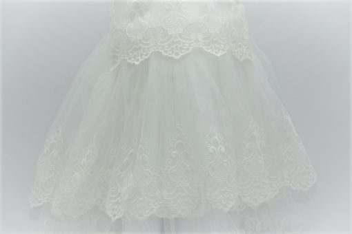 taufkleid in weiss